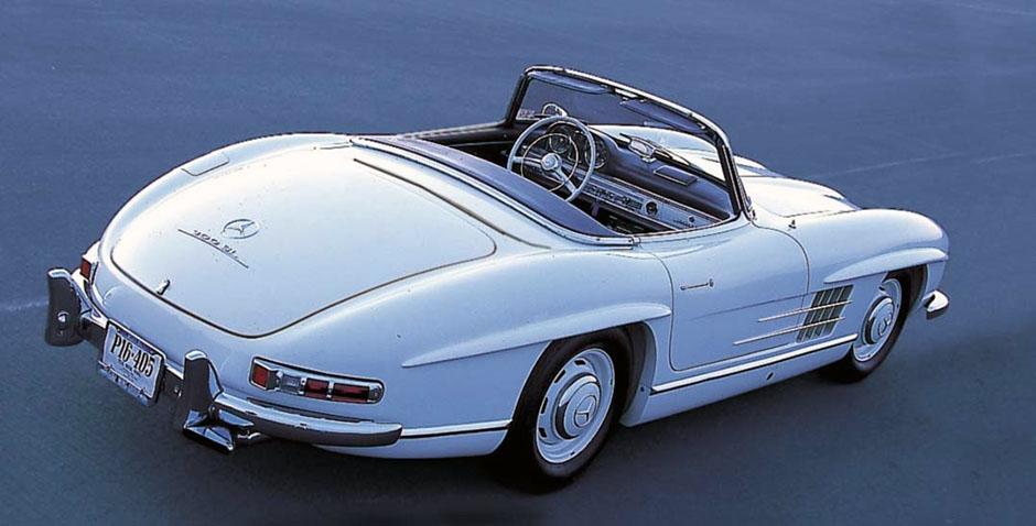 DIE VORBILDER: Mercedes-Benz 300 SL Roadster, Heckansicht, 1957-1963. ; Mercedes-Benz 300 SL Roadster, 1957-1963.;