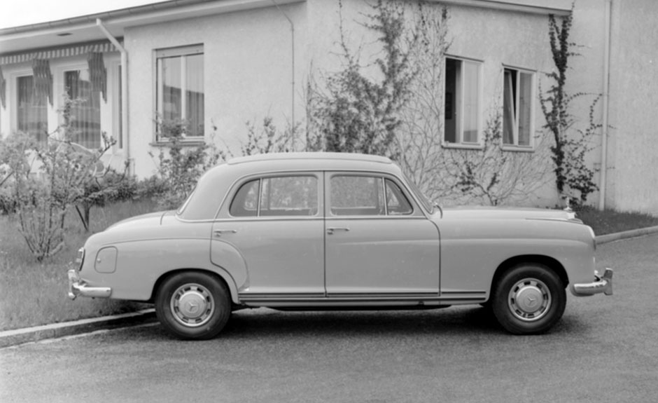 Mercedes-Benz 220 a (W 180, 1954 bis 1959). ; Mercedes-Benz 220 a (W 180, 1954 to 1959).;