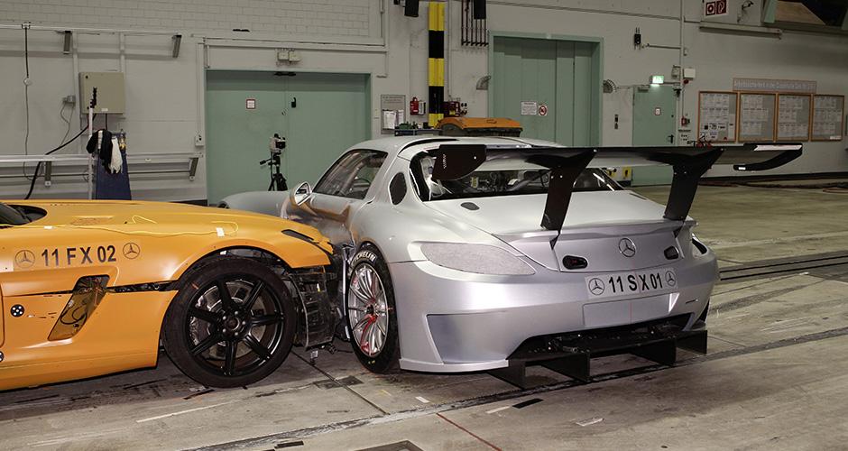 SLS AMG GT3 Crashtest 2011