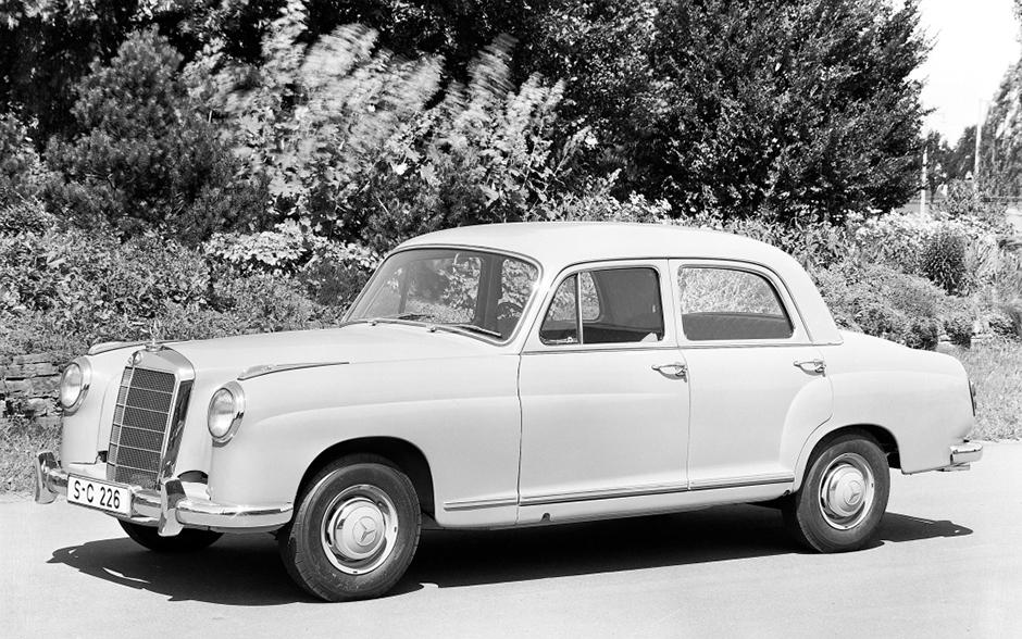 Mercedes-Benz Typ 219, 1956 bis 1957 (mit vorderer Stoßstange der ersten Ausführung) ; Mercedes-Benz 219, 1956 to 1957 (first version of front bumper);