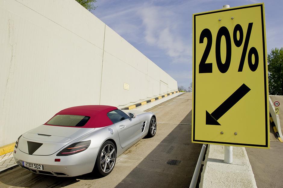 SLS Roadster (R 197) 2011