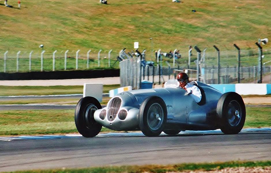 1937 Mercedes Benz W125 (Tony Dron)