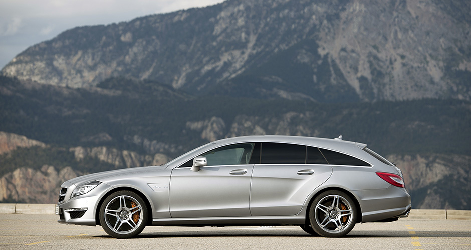 Mercedes-Benz CLS 63 AMG Shooting Brake, (X218), 2012, Lack: designo magno alanitgrau, Ausstattung: designo Leder platinweiss