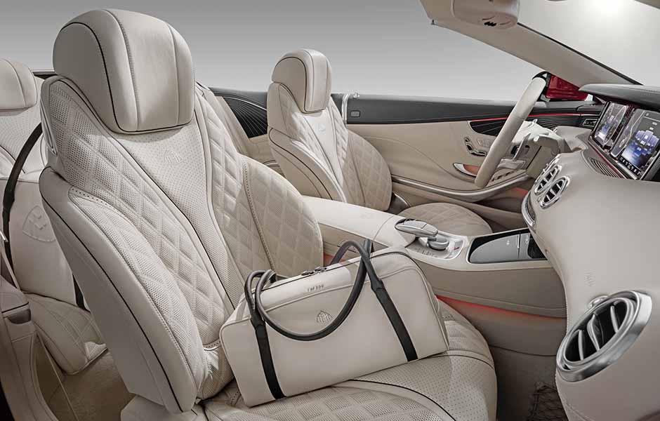 "Mercedes-Maybach S 650 Cabriolet, Interior, Fluss der Linien, Rautensteppung, mit exklusivem ""THE AFFINITY"" Ledertaschenset ;Kraftstoffverbrauch kombiniert: 12,0 l/100 km; CO2-Emissionen kombiniert: 272 g/km Mercedes-Maybach S 650 Cabriolet, interior , flowing lines, outer diamond quilting with exclusive travel luggage set ""THE AFFINITY""; Fuel consumption combined: 12,0 l/100 km; Combined CO2 emissions: 272 g/km"