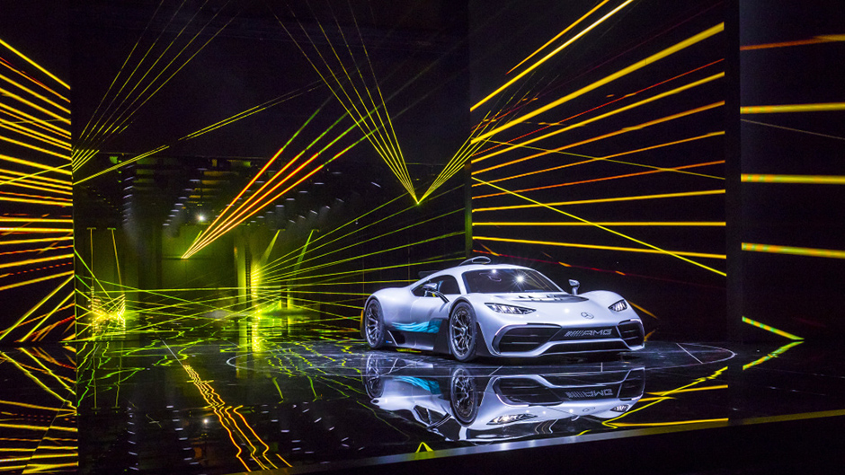 Showcar Mercedes-AMG Project ONE, zweisitziger Supersportwagen-mit modernster und effizientester Formel 1-Hybrid-Technologie, High Performance Plug-in Hybrid Antriebsstrang mit 1,6-Liter-V6-Turbobenzinmotor und vier Elektromotoren Showcar