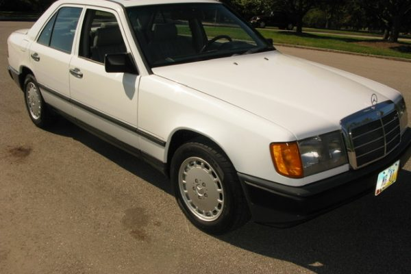 1987 MB 300D Turbo Arctic White/Grey